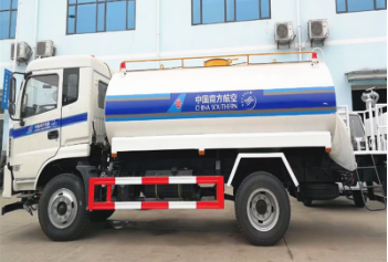 Dongfeng 170 horsepower right/left hand drive sprinkler water tank truck on sale